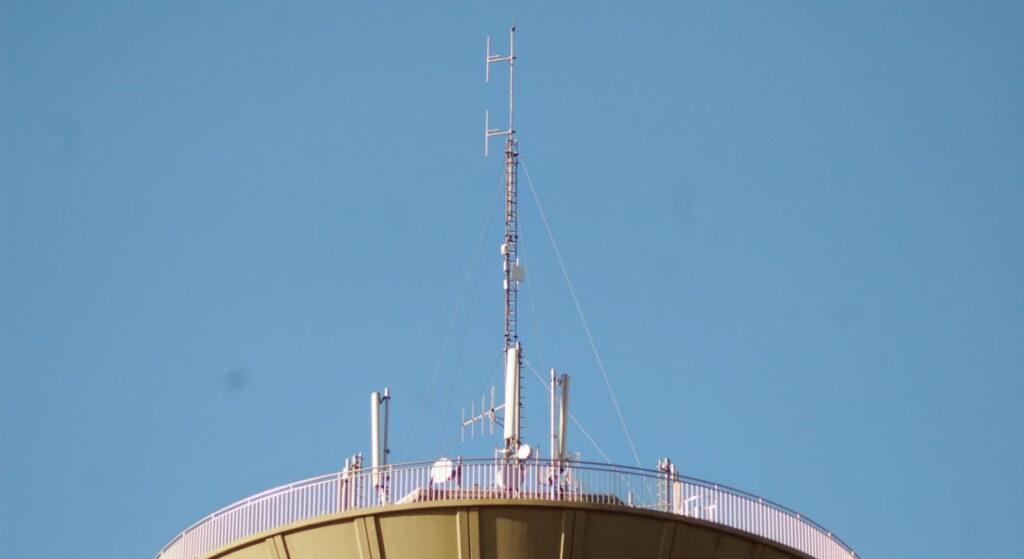 1 januari 2018 moeten (bijna) alle lokale radio's uit de lucht