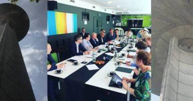 Commissieleden op werkbezoek bij de VRT