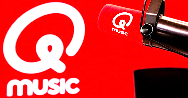 2010: Radiospotje live op Qmusic (video)