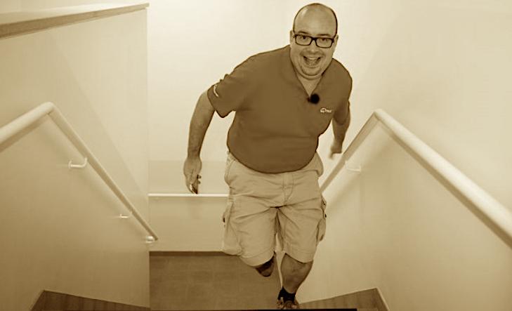2011: Sven Ornelis wandelt naar het werk!
