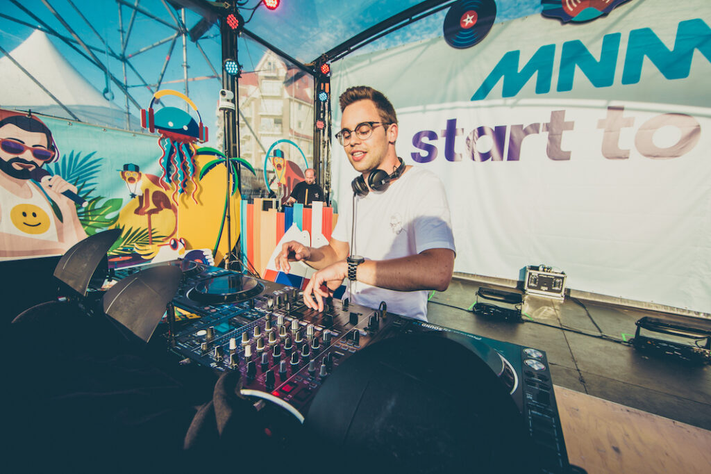 Merlo wint MNM Start To DJ 2018 (video)