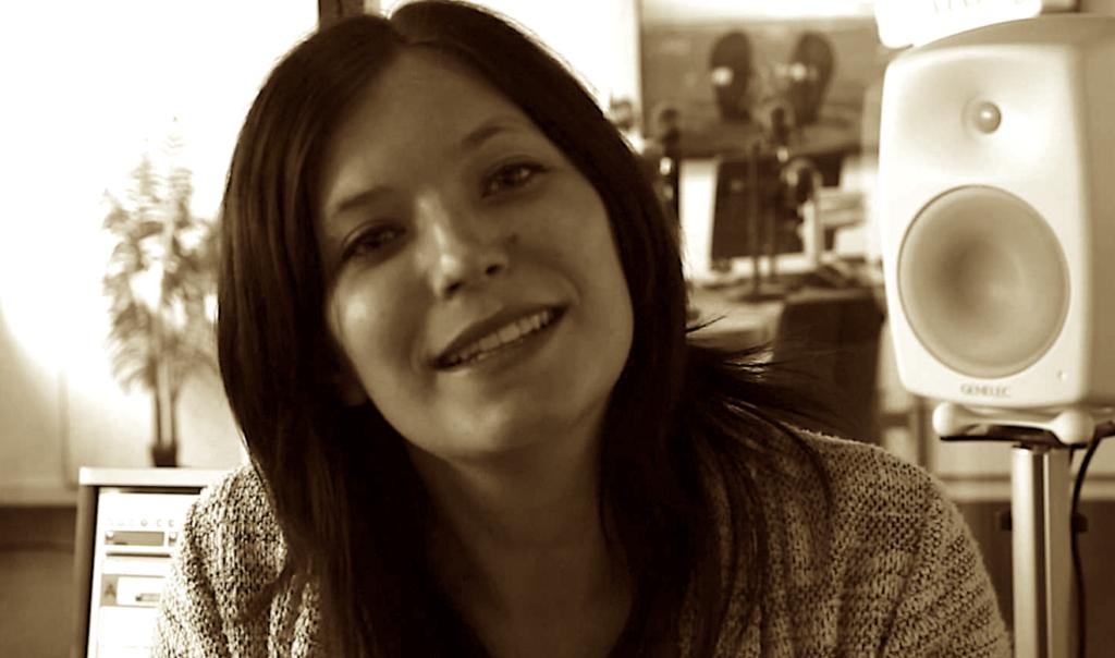 2011: Astrid Demeure debuteert bij MNM (video)