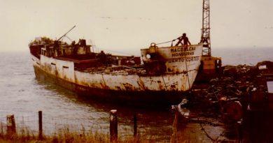 1979: Mi Amigo wordt gesloopt (fotoreeks)