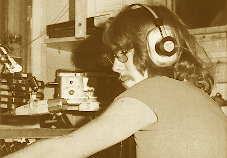 Het is vandaag 25 november... 1977 (audio)