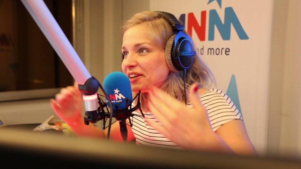 MNM: Julie van den Steen zoekt andere oorden op