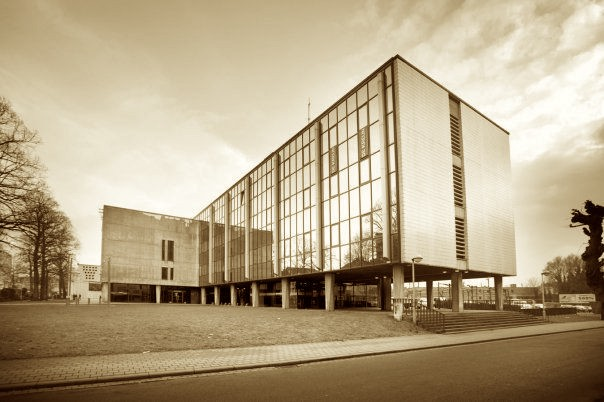 2004: Oud Radio 2-gebouw wordt muziekcentrum