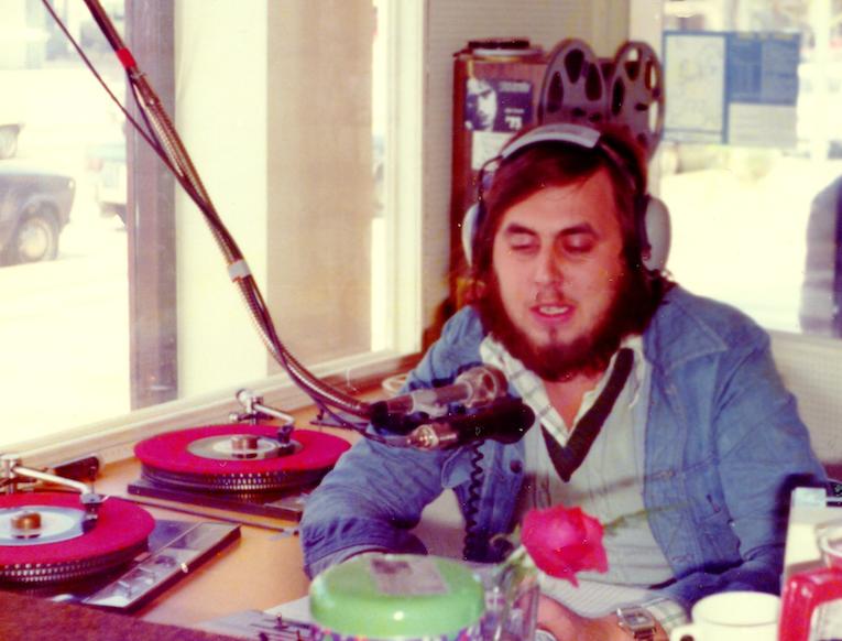 Het is vandaag 19 april... 1976 (audio)