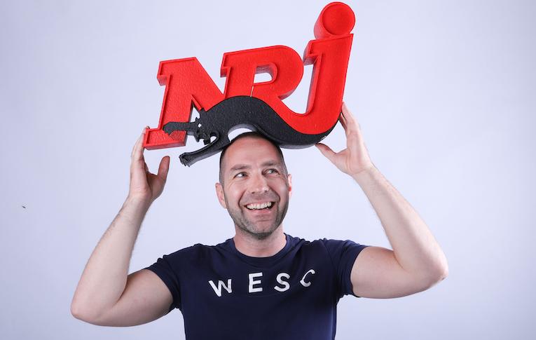 Blad 214: NRJ, RTBF, Expres en KIIS (video)