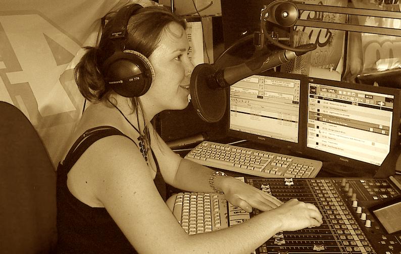 2003: We zochten en vonden de 4FM Tourbus