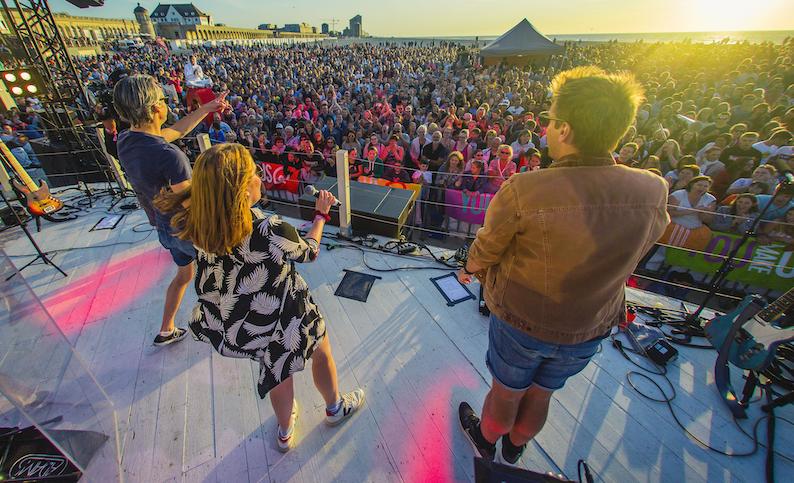 12.000 'zingende kijkers' voor Qmusic in Oostende