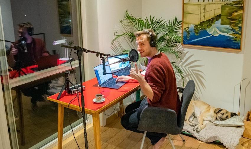Qmusic: Sam De Bruyn even thuiswerker