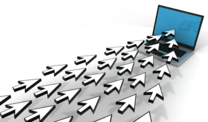 Het directe effect van radioreclame op websitebezoek