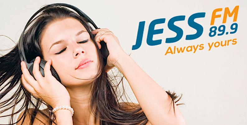 Jess FM: overleven op pannenkoeken(verkoop)