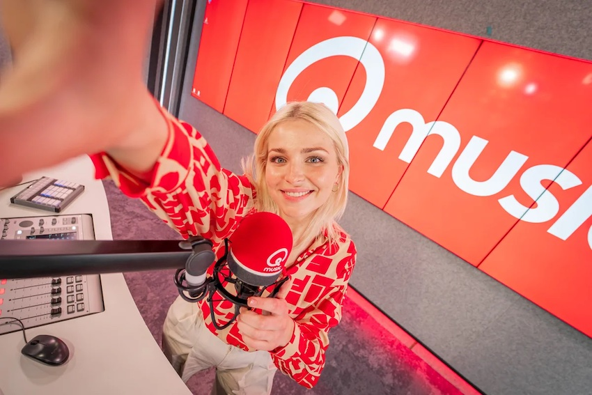 Julie Van den Steen (even) terug bij Qmusic (video)
