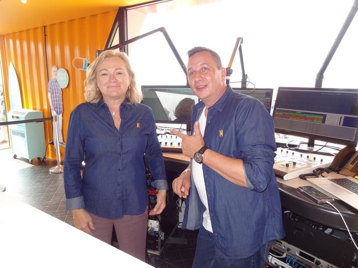 Nostalgie Beach radio streek neer in Nieuwpoort (foto's)